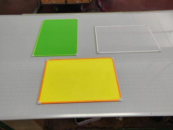 לוחות מגנטיקו צבעוניים