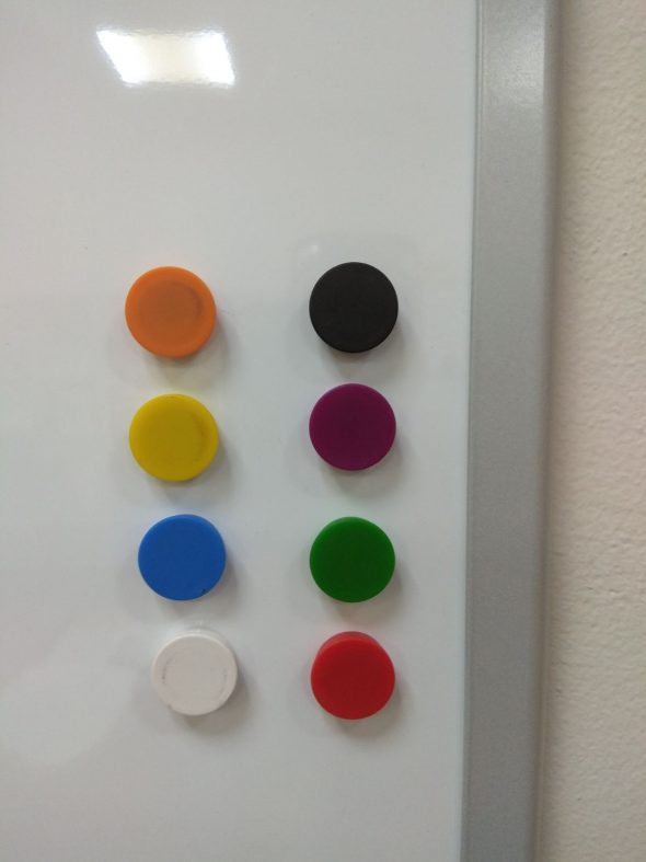 מגנט עגול קרמי קוטר 20 צבעוני